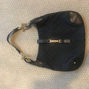 Gucci purse in perfect condition